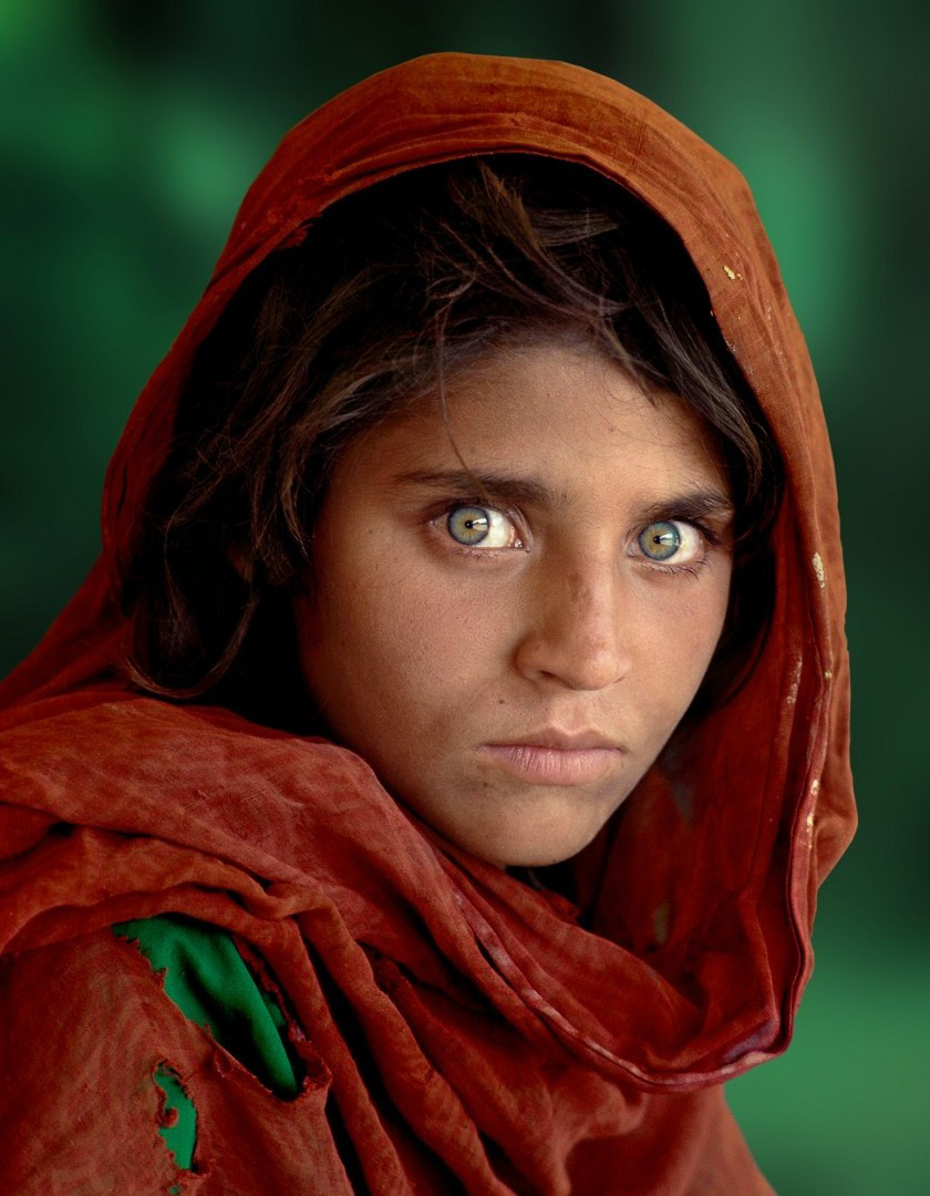 Idée photo © Steve McCurry - Jeune refugiée afghane aux yeux verts
