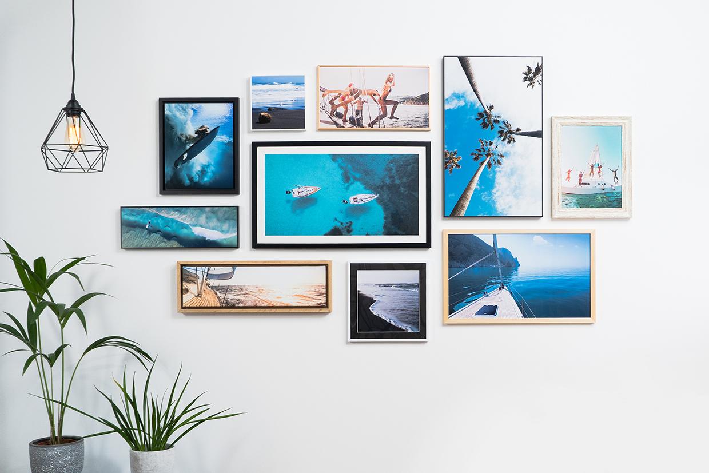 Disposition Des Cadres Sur Un Mur comment créer un mur de photos ? conseils & idées   myposter