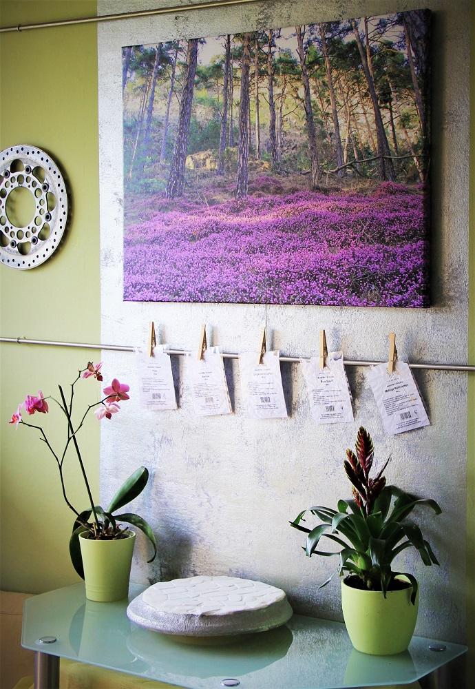 Exemple de décoration sur étagère murale avec une toile photo / Monika d'Allemagne - myposter