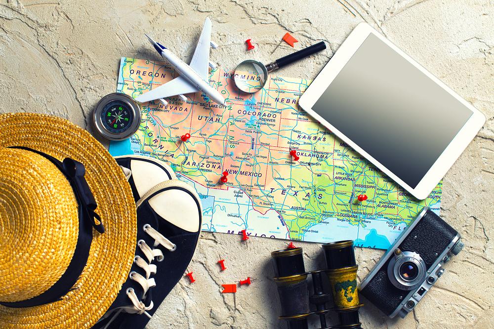 Carte du monde à imprimer - accessoires voyages / myposter