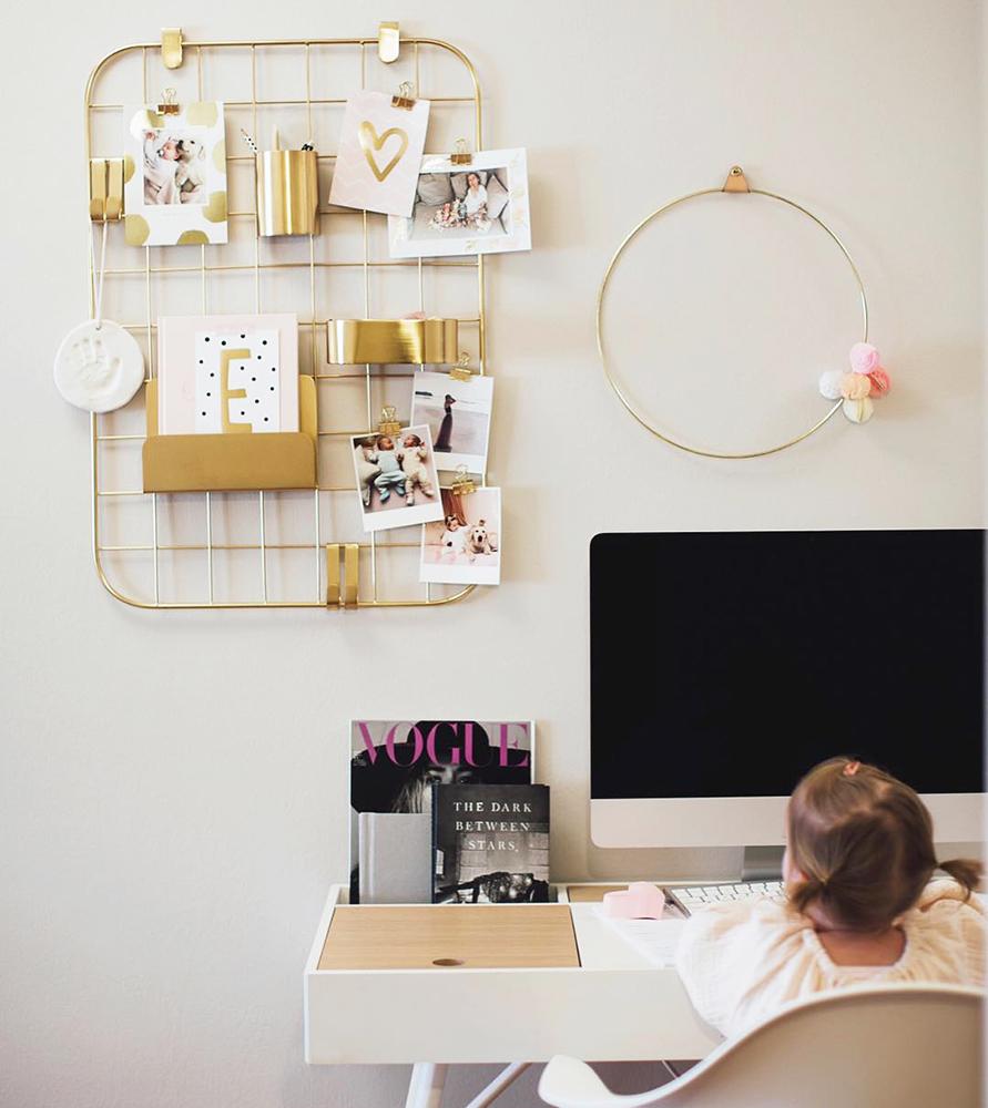 10 fa ons d 39 accrocher ses photos sans faire de trou myposter clari calahari 3. Black Bedroom Furniture Sets. Home Design Ideas